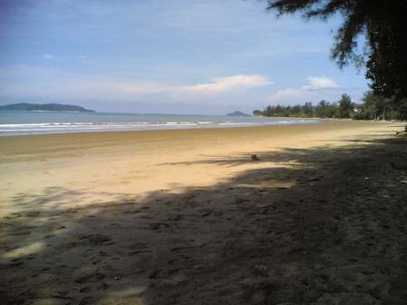 Pantai_tanjung_aru